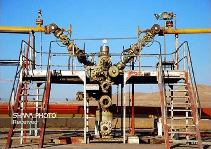 چاه شماره ٨ پازنان شرکت نفت و گاز آغاجاری تولیدی شد