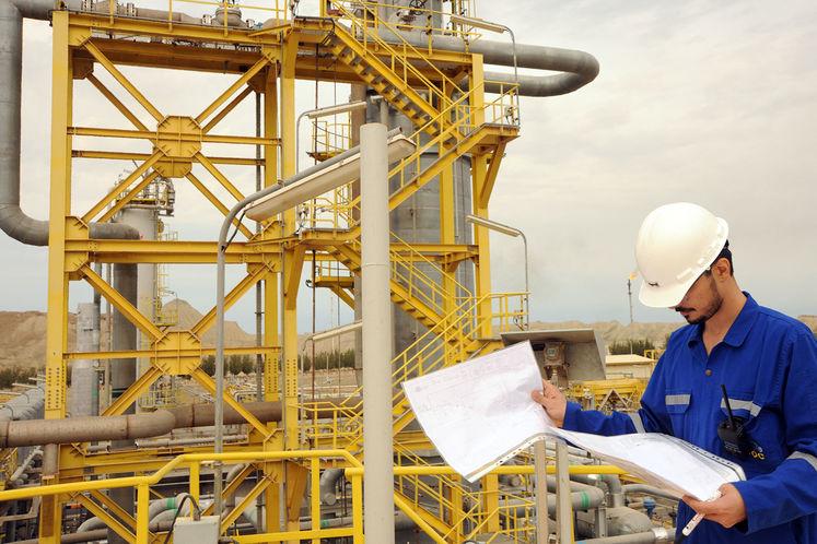 اجرای نظام طبقهبندی مشاغل نیروهای پیمانکاری صنعت نفت ابلاغ شد
