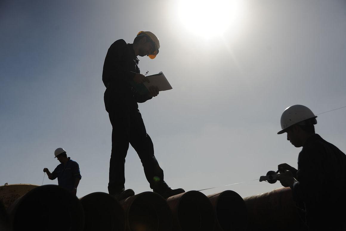 مقدار افزایش حقوق و دستمزد کارکنان رسمی و قراردادی وزارت نفت اعلام شد