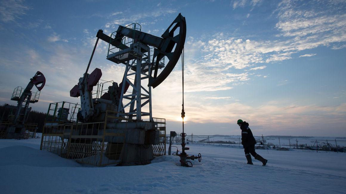 تولید نفت روسیه 10 درصد کاهش مییابد