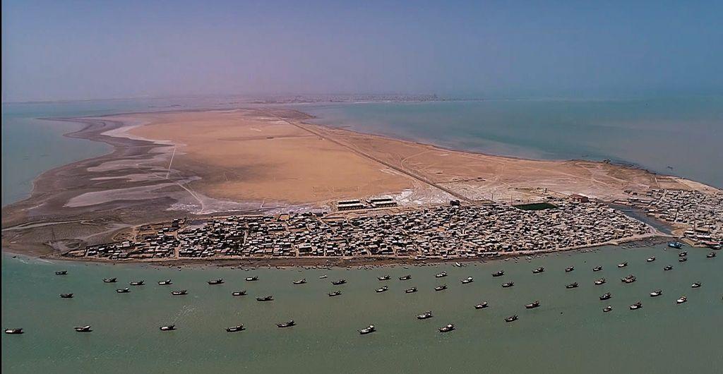 گازرسانی به جزیره شیف استان بوشهر با عبور خط لوله از زیر بستر دریا
