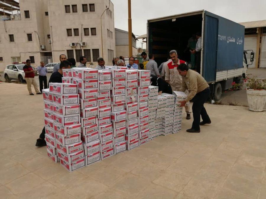 ارسال اقلام ضروری برای سیلزدگان از سوی پالایشگاه گاز بیدبلند