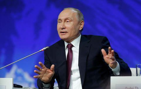 پوتین پیش از نشست اوپک با شرکتهای نفتی روسیه مذاکره میکند