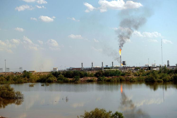تاسیسات نفتی میدان یاران شمالی واقع در هورالعظیم