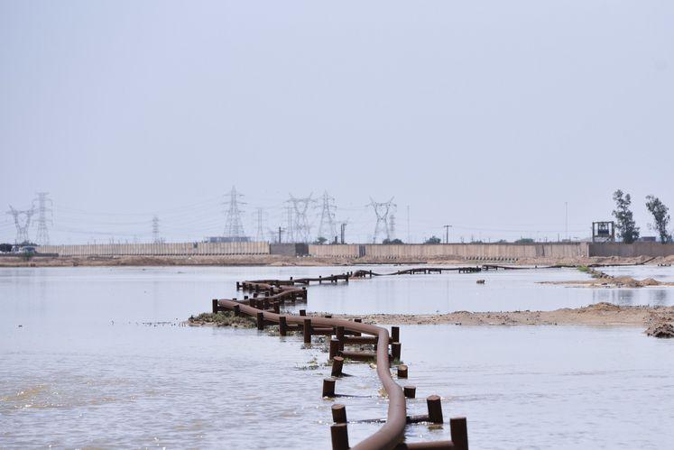 خطوط انتقال نفت محصور در آب