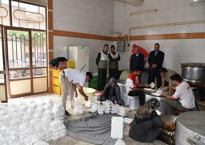 کمکرسانی نفت و گاز شرق به روستاهای سیلزده شهرستان سرخس