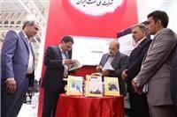 مناطق نفتخیز جنوب از ۳ کتاب جدید در نمایشگاه بیستوچهارم نفت رونمایی کرد