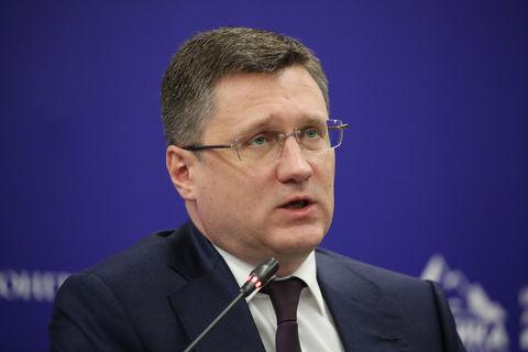 وزیر انرژی روسیه با مدیران شرکتهای نفتی گفتوگومیکند