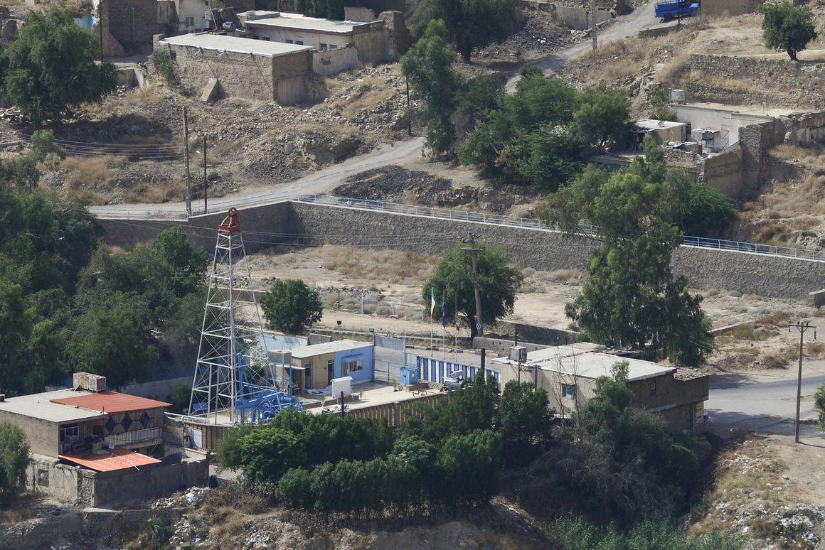 بررسی شرایط بیمارستان نفت مسجد سلیمان پس از وقوع زلزله اخیر