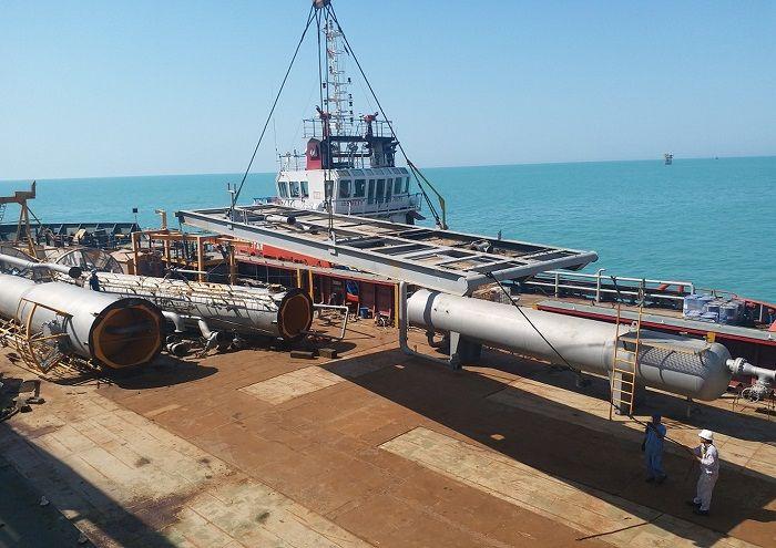 عملیات سبکسازی قدیمیترین سکوی خلیجفارس پایان یافت