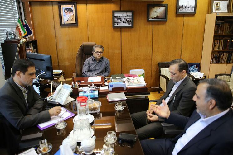 تجلیل از زحمات رئیس پیشین روابط عمومی شرکت ملی گاز ایران