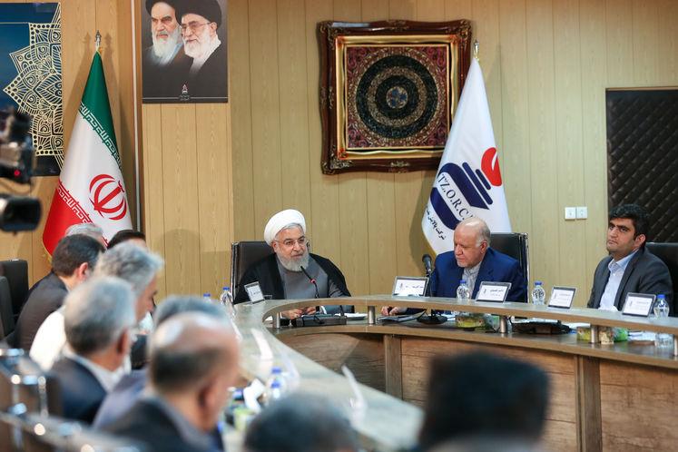 دکتر حسن روحانی، رئیس جمهوری در جمع مدیران شرکت پالایش نفت تبریز