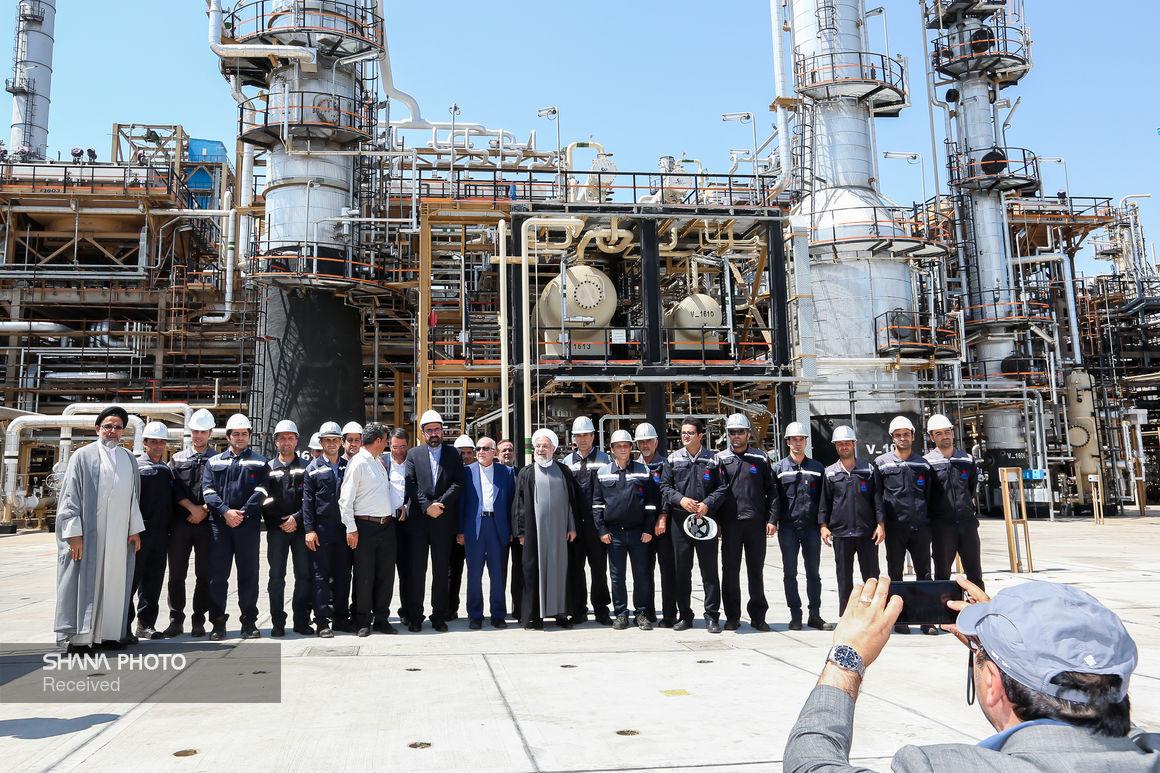 افتتاح طرحهای توسعهای پالایشگاه نفت تبریز با حضور رئیس جمهوری