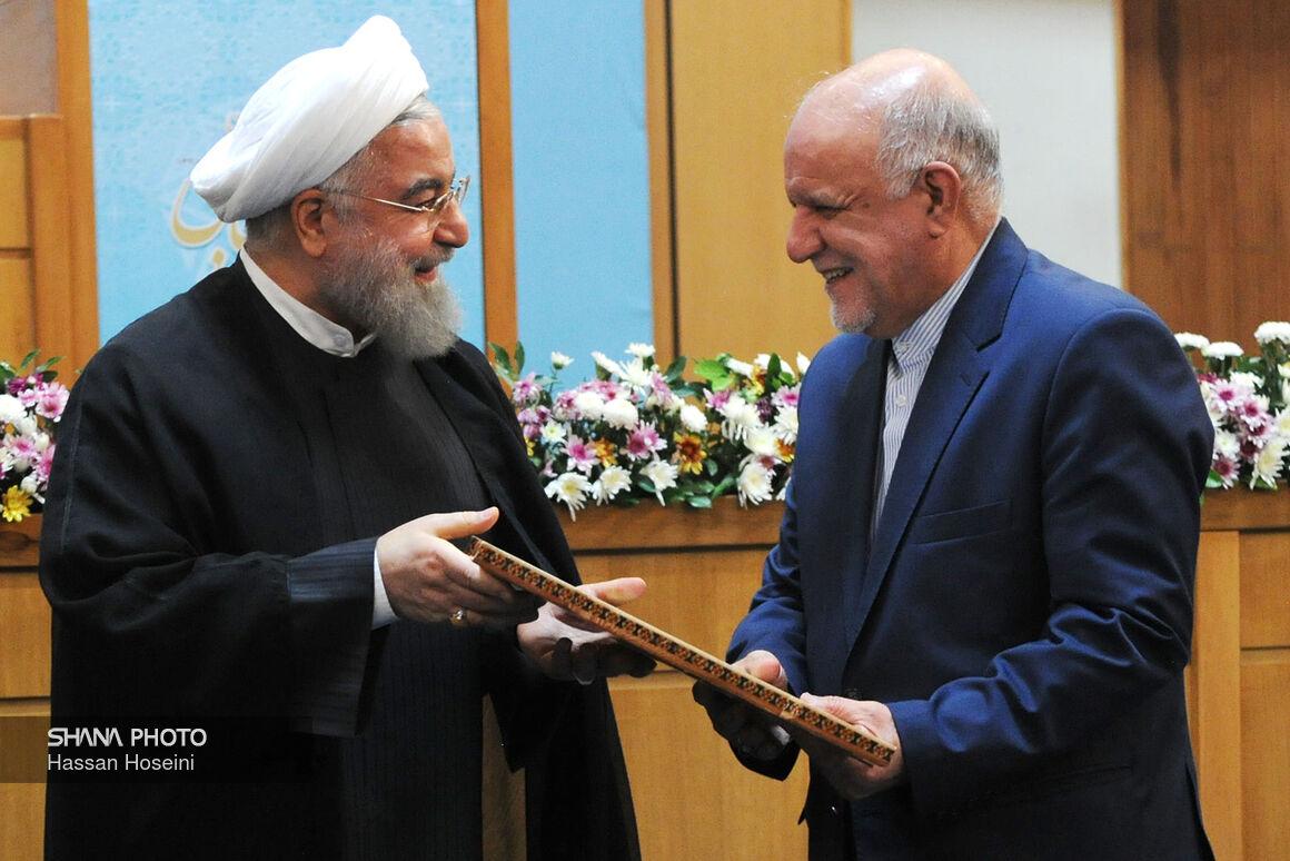 اهدای لوح سپاس به وزیر نفت در  پانزدهمین جشنواره شهید رجایی