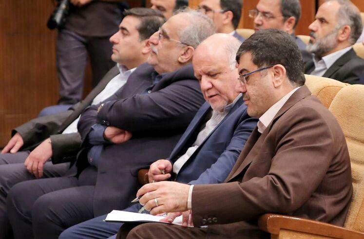 محمد مشکین فام، مدیرعامل شرکت نفت و گاز پارس و بیژن زنگنه، وزیر نفت