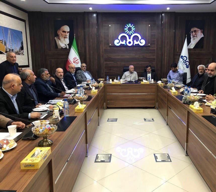 وضع تولید بنزین در پالایشگاههای بندرعباس و ستاره خلیج فارس بررسی شد