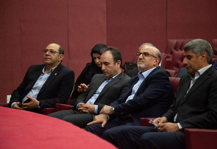 بهزاد محمدی، مدیرعامل شرکت ملی صنایع پتروشیمی در آیین امضای توافقنامه همکاری ارائه دانش فنی واحد تولید پلیاتیلن سنگین