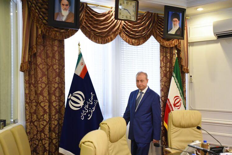 علی سلیمان غانم، وزیر نفت و منابع معدنی سوریه