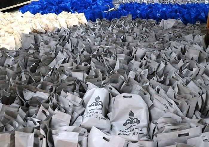 توزیع بیش از ۴ هزار بسته کمکآموزشی میان دانشآموزان آغاجاری