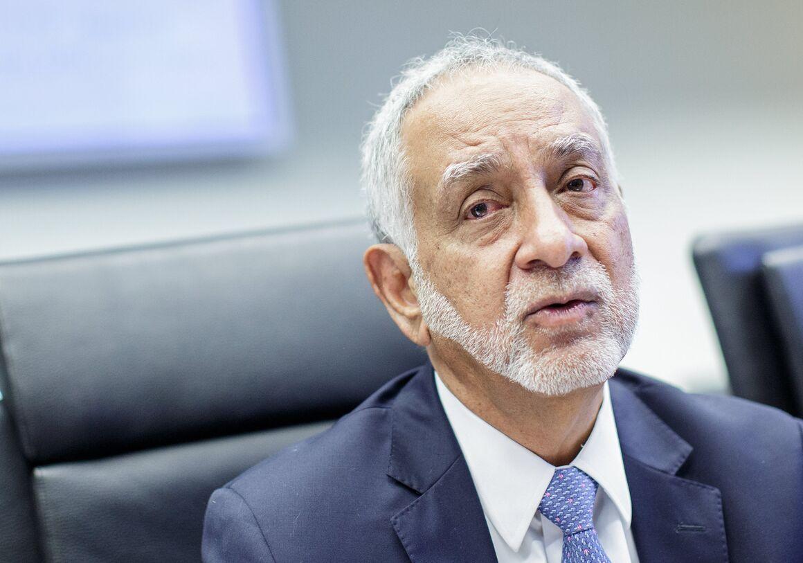 وزیر نفت اکوادور استعفا داد