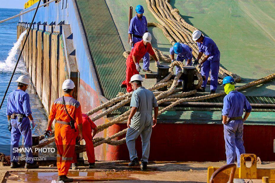 وزارت نفت در توجه به حوزه کارگری پیشتاز است