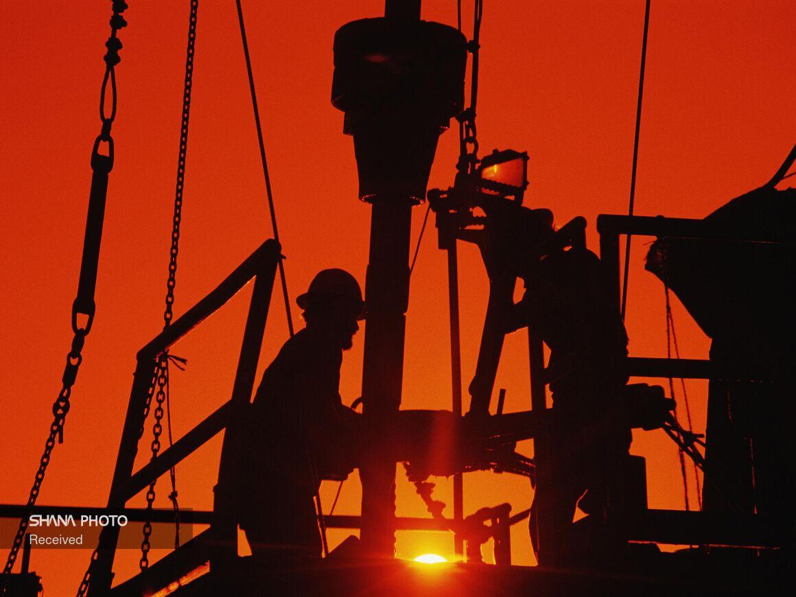 کاهش شمار دکلهای حفاری نفت آمریکا