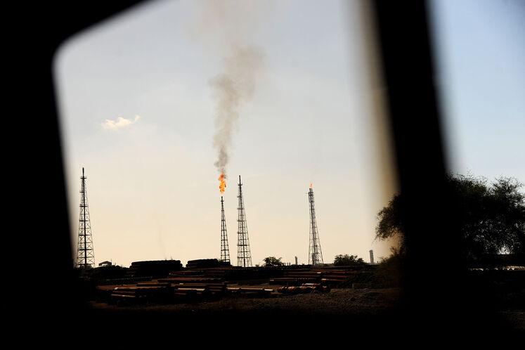 عملیات هیدروتست مخازن ذخیرهسازی پایانه نفتی خارک آغاز شد