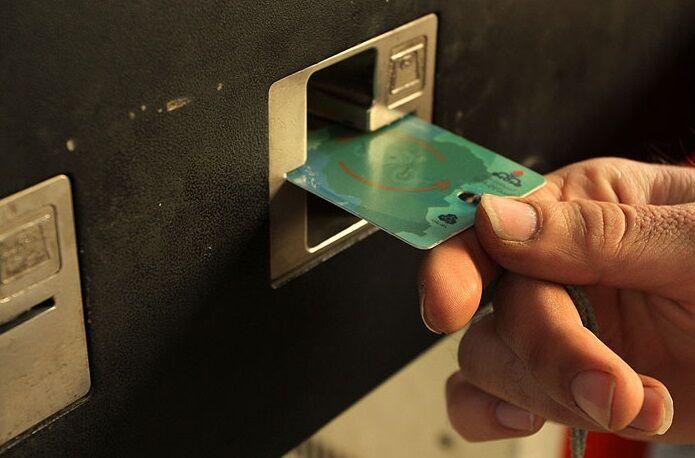 برداشت زودهنگام کارت سوخت دلیل اصلی کاهش سهمیه سوخت است