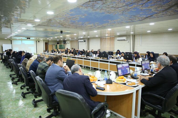 نشست خبری ابراهیم یاسری، مدیرعامل شرکت عملیات غیرصنعتی پازارگاد با خبرنگاران