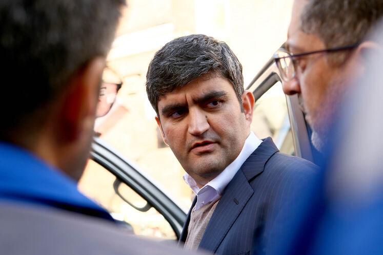 علیرضا صادقآبادی، معاون  وزیر نفت در امور پالایش و پخش در مراسم امضای تفاهمنامه توسعه ناوگان دوگانه سوز