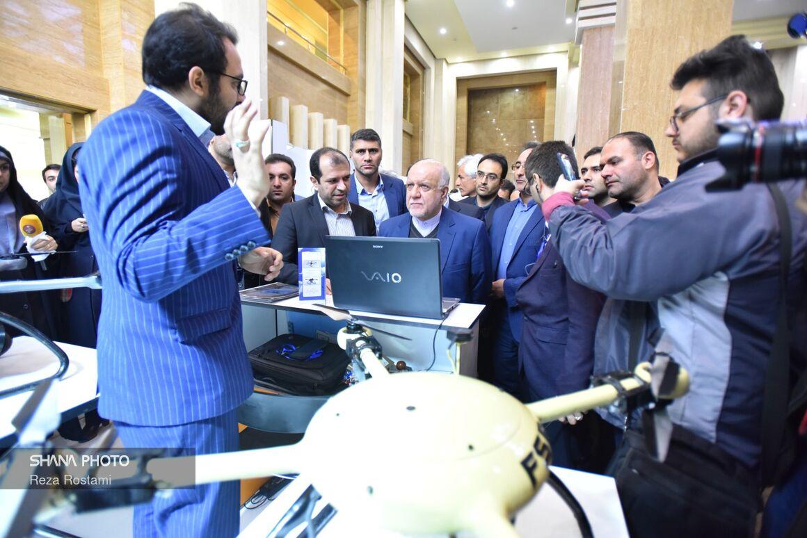 ۲ افتتاح در رویداد پترولیوم تیکاف با حضور وزیر نفت