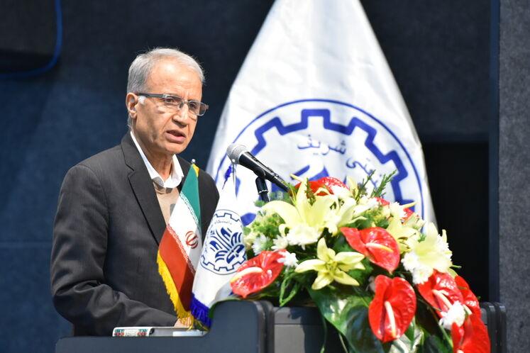 محمدحسن سعیدی، رئیس پژوهشکده علوم و فناوریهای انرژی دانشگاه صنعتی شریف