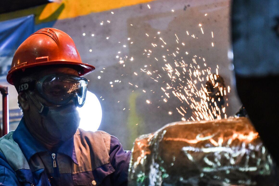 حقالزحمه بهرهوری نیمه دوم ۹۸ کارکنان نفت پرداخت میشود