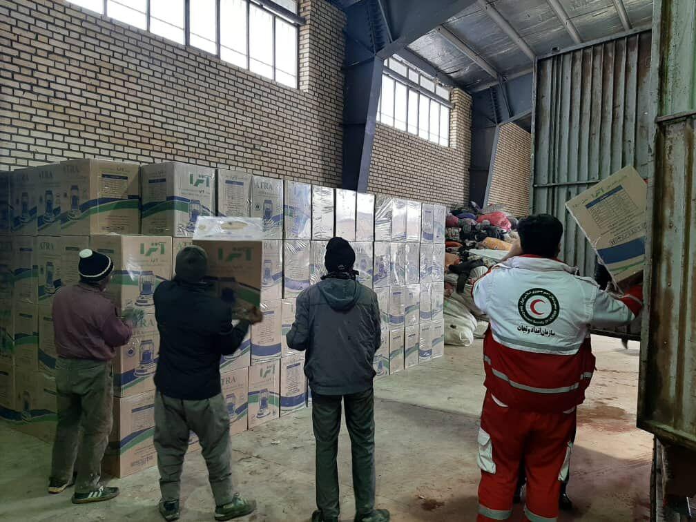 ارسال بستههای اهدایی پتروشیمیهای ماهشهر به مناطق سیلزده سیستانوبلوچستان