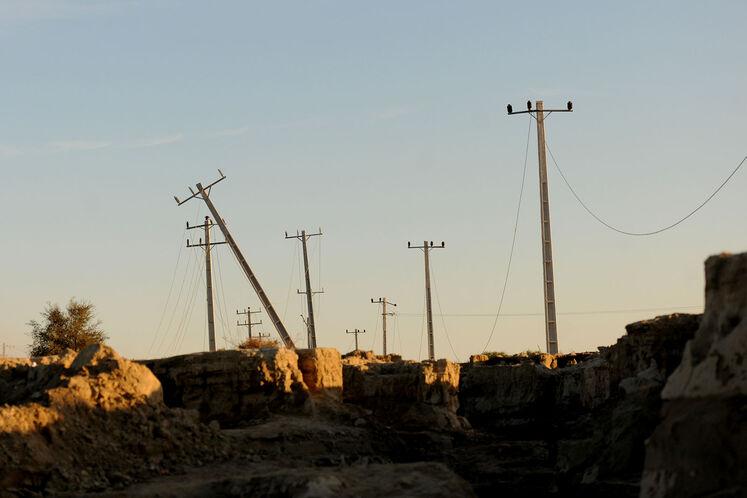 تخریب جاده و تیرهای برق مواصلاتی روستاهای عورکی از بخش چابهار ناشی از بارش شدید باران در سیستان و بلوچستان