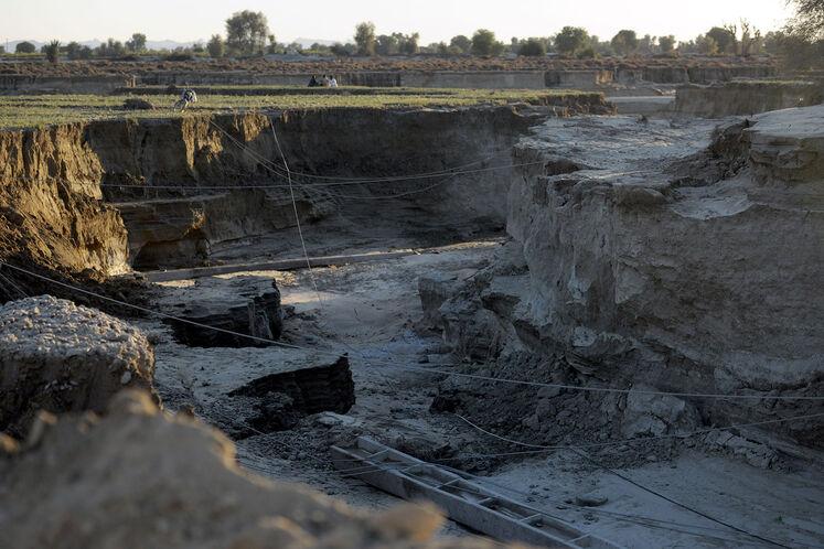 تخریب جادههای مواصلاتی روستاهای عورکی از بخش چابهار