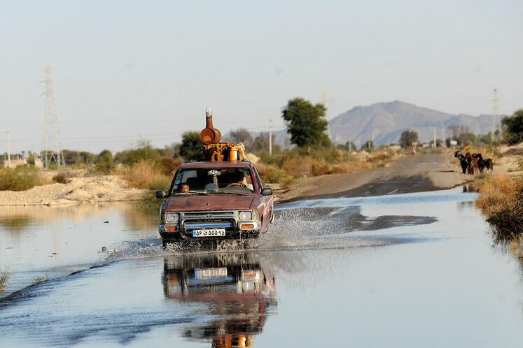 آبگرفتگی جادههای مواصلاتی روستاهای عورکی از بخش چابهار یک هفته پس از سیل