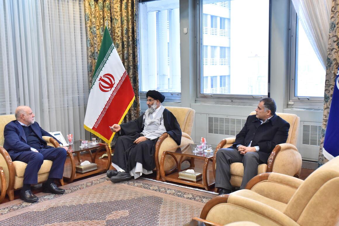 وزیر نفت و نماینده ولی فقیه در استان خوزستان دیدار و گفتوگو کردند