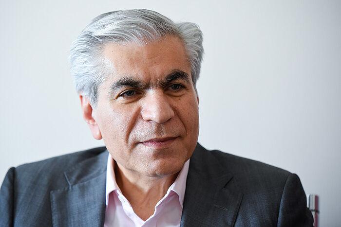 عادلی: ایران با مهره «الانجی» وارد بازی شود
