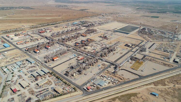 نمای کلی از شرکت پالایش گاز بیدبلند خلیج فارس