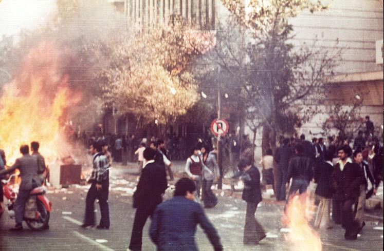اعتراض مردم شهرهای دیگر به این کشتار سبب شدت گرفتن درگیریها و اعتراضها شد. ۱۷ شهریور سال ۱۳۵۷ مأموران دولتی تعداد زیادی از تظاهرکنندگان را کشتند.