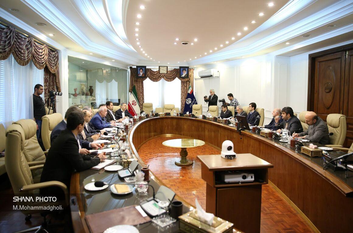 نشست وزیرنفت با اتحادیه صادرکنندگان فرآوردههای نفت، گاز و پتروشیمی