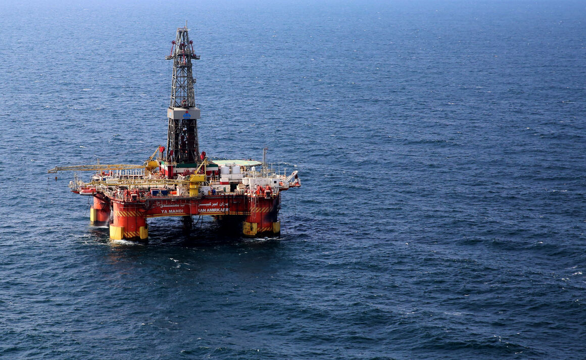 طرح تولید زودهنگام نفت میدان سردار جنگل در حال تدوین است