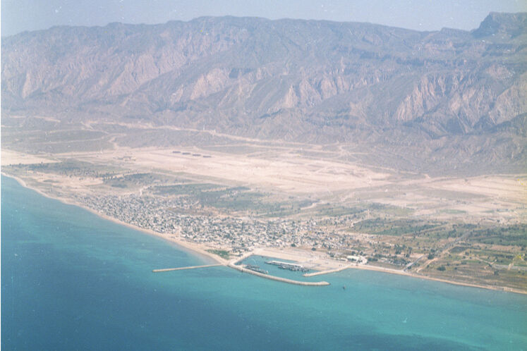 View of Assaluyeh in 1999, nine years after the discovery of the supergiant South Pars gas field. The first development contract for the South Pars Phases 2 and 3 was signed while Qatar, which shares the field with Iran, had started gas recovery in 1990. Phases 2 and 3 development became operational in October 1998 by a consortium of France's Total, with a 40% stake, Russia's Gazprom and Malaysia's Petronas each with 30% stakes in the project.