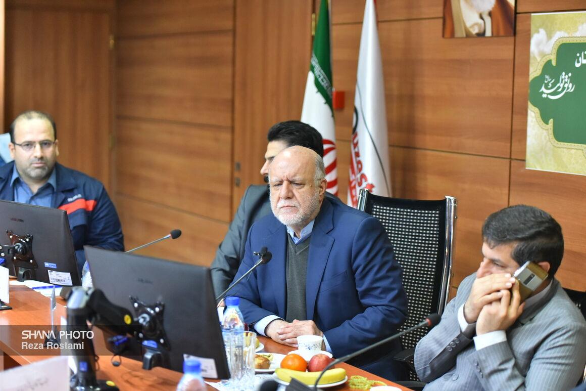نشست وزیر نفت با مدیران فولاد اکسین خوزستان