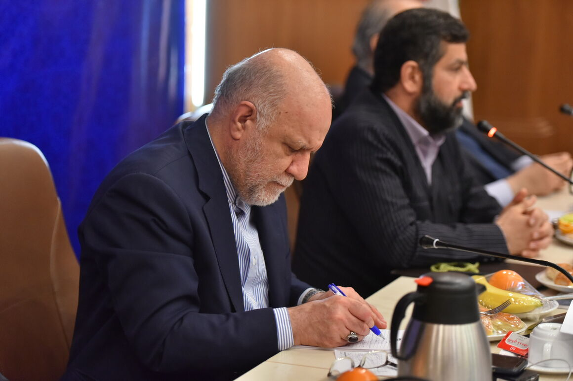 نشست بررسی پروژههای مربوط به سیل خوزستان و زلزله مسجدسلیمان