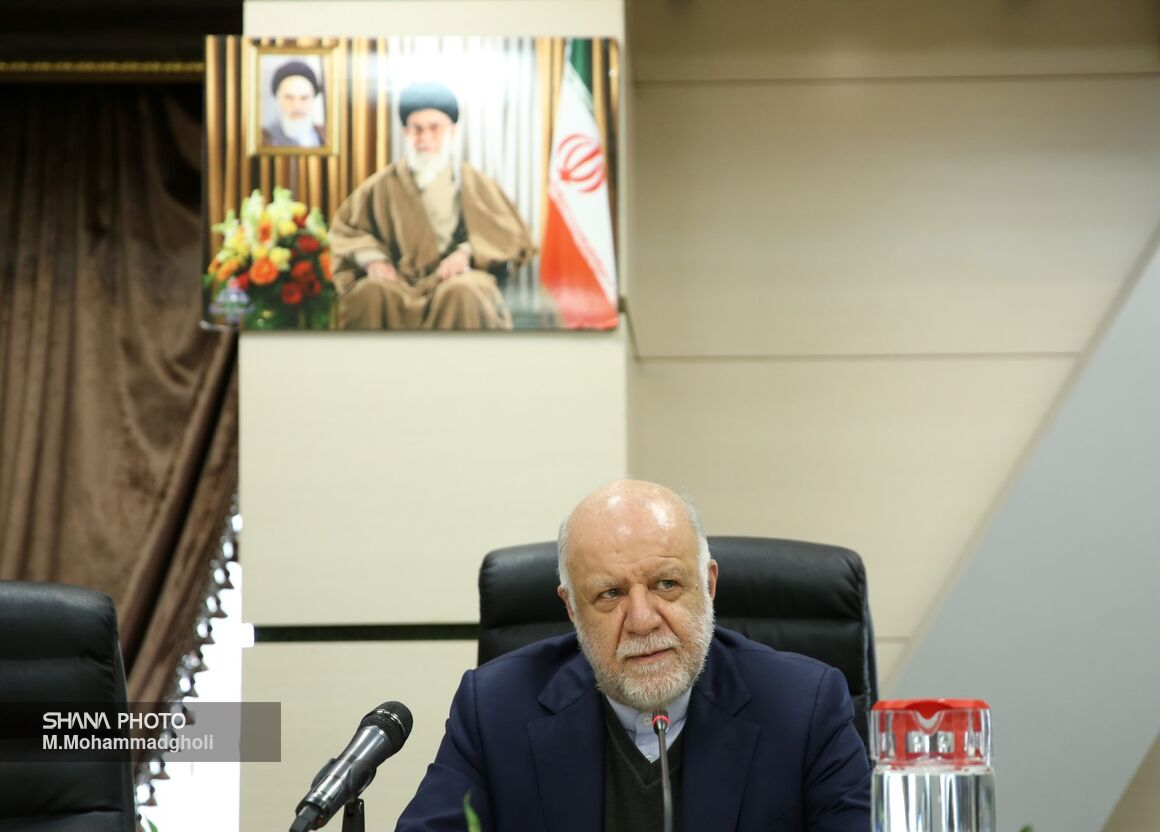 Iran Eyes 100 mt Petchem Output in 1399