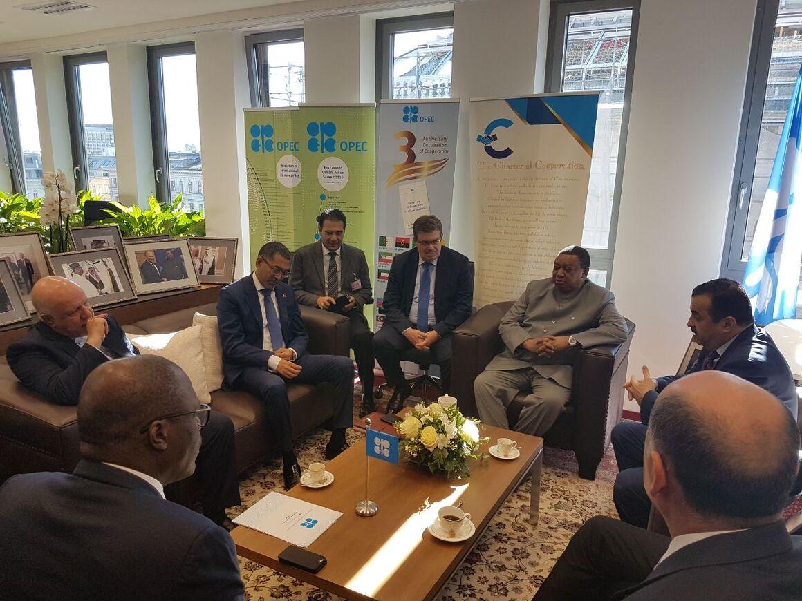 نشست مشترک دبیرکل و رئیس دورهای اوپک با وزیران نفت ایران، ونزوئلا و لیبی