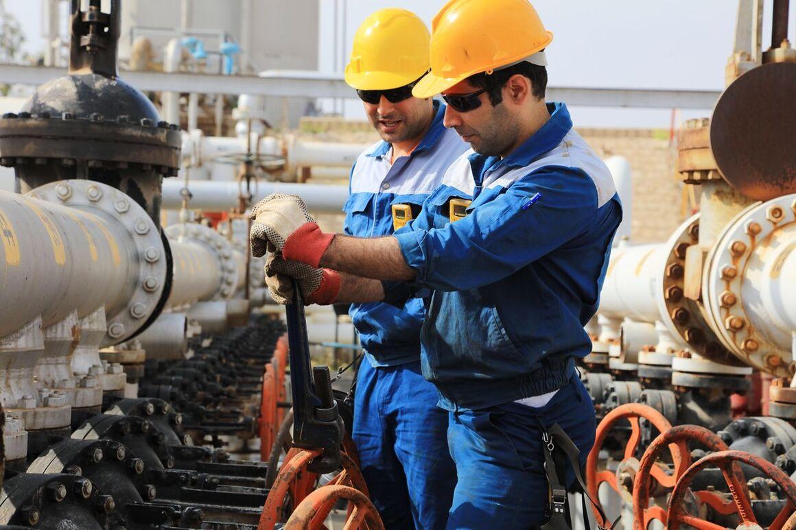 ساعت کاری نوبتکاران شرکتهای بهرهبردار نفتخیز جنوب تغییر کرد