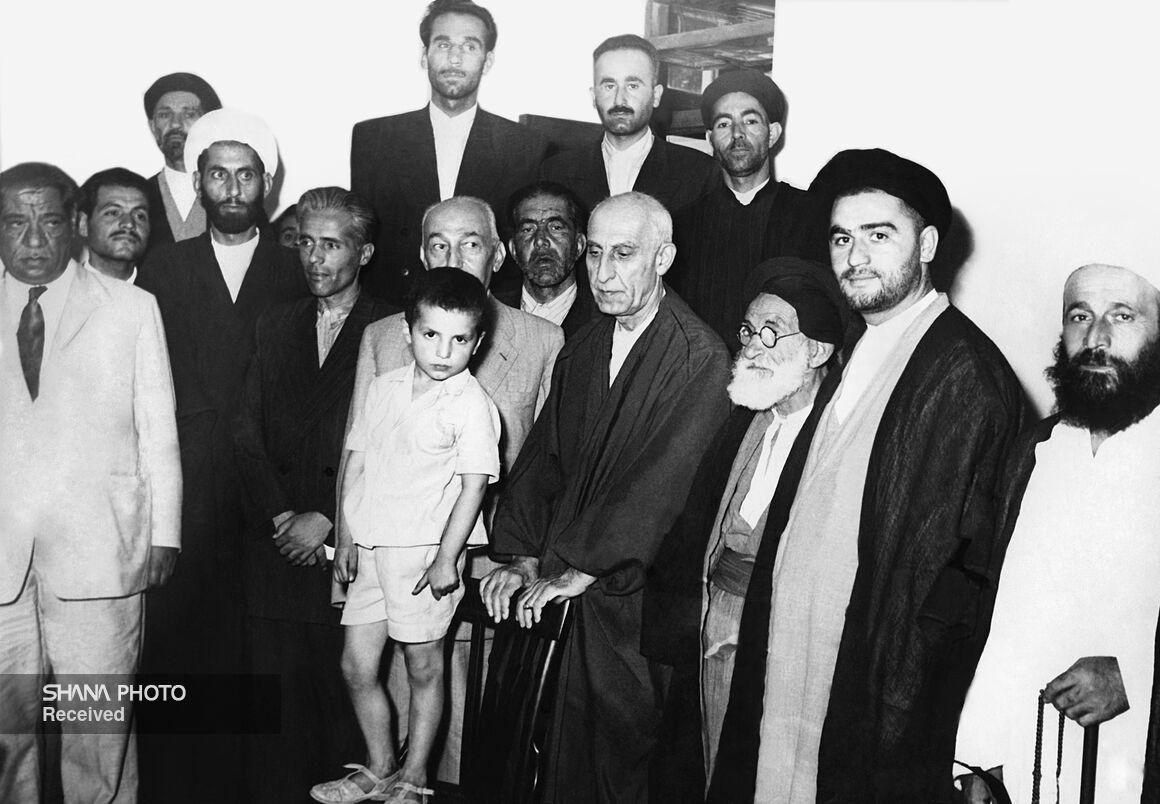 ۲۹ اسفند؛ نقطه عطف تاریخ سیاسی و اقتصادی ایران
